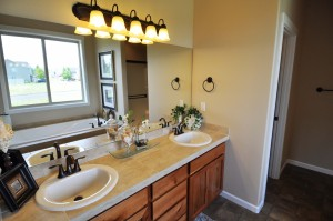 Master bathroom (2207 model)